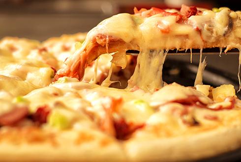 自家製のピザ